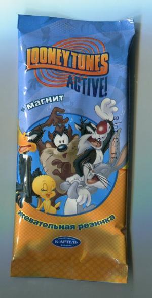 Жевательная резинка 2010  Looney Tunes active + магнит