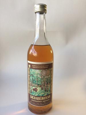 Алкоголь   Беловежская настойка, 43 Дата 7-08-90