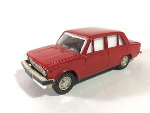 Модель   ВАЗ 2101, красная, неориг. бампер, белые стекла