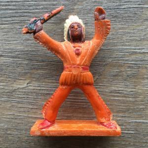 Игрушка   Солдатик индеец с ножом