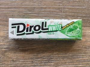 Жевательная резинка 2019  Dirol White мята, долгий вкус